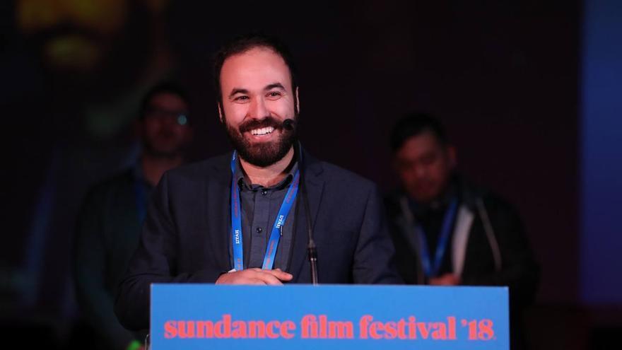 Álvaro Gago, director de 'Matria', recibiendo su premio en Sundance