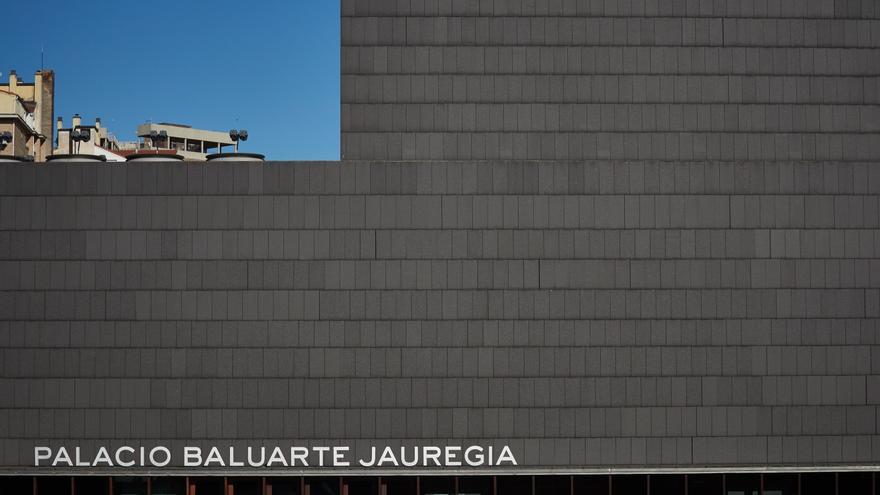 Archivo - El Palacio Baluarte Jauregia aparece vacío durante el día 54 del estado de alarma en Pamplona / Navarra (España), a 7 de mayo de 2020.