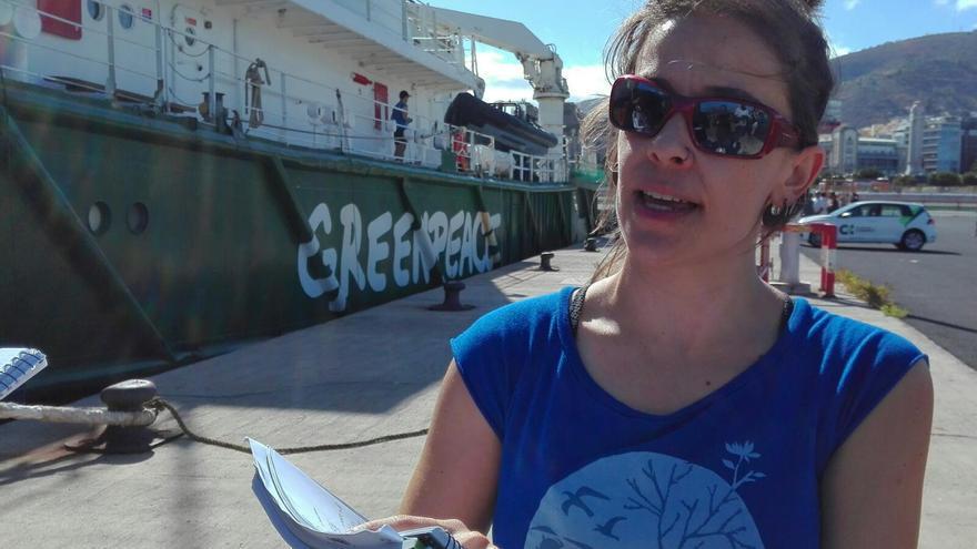 Paloma Nuche, doctora en Ecología y autora del informe de Greenpeace 'A toda costa', este viernes en Santa Cruz