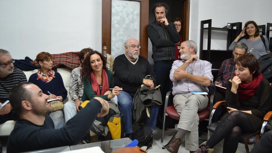 Miembros de 'Ahora Podemos' Región de Murcia durante una reunión
