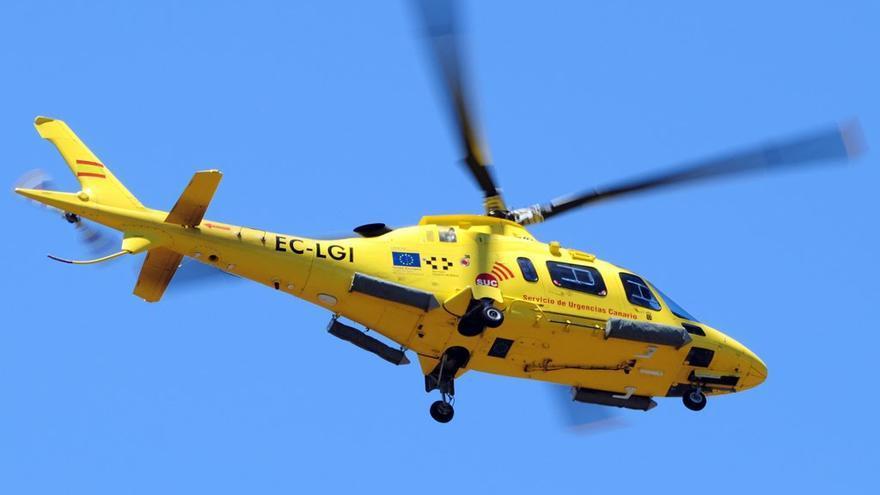 Uno de los helicópteros del Servicio de Urgencias Canario (SUC),