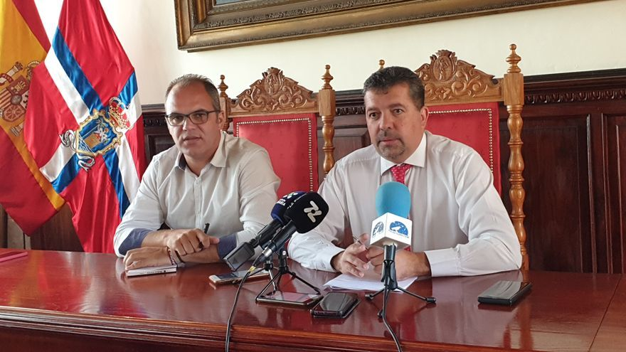 Tony Acosta (i) y Juanjo Cabrera este lunes en rueda de prensa.
