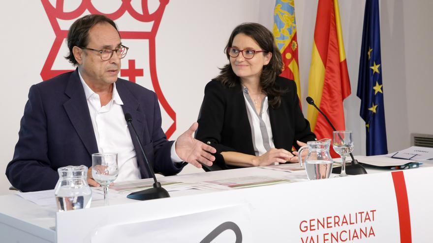 Vicent Soler y Mónica Oltra durante la rueda de prensa