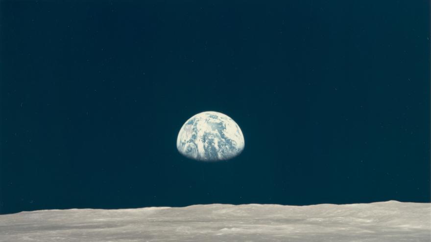 La salida de la Tierra desde la superficie de la Luna, del 16 al 24 de julio de 1969