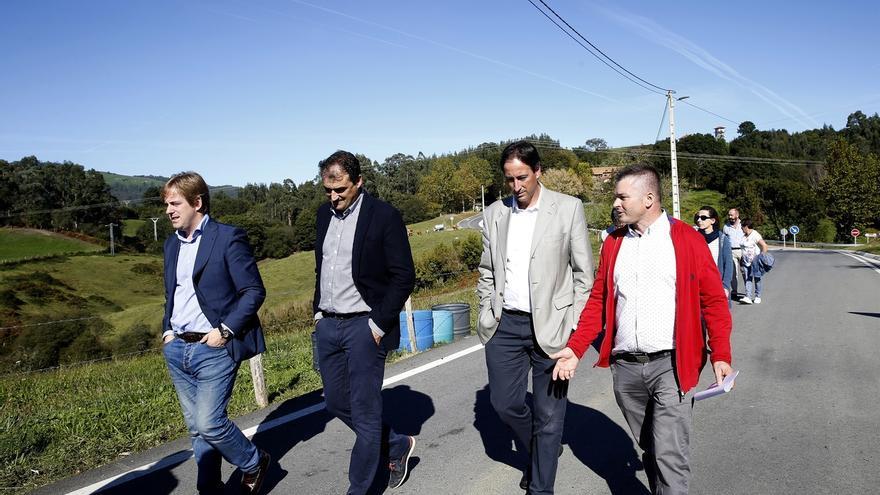 La intersección de la carretera Golbardo-Novales con La Busta estrena alumbrado