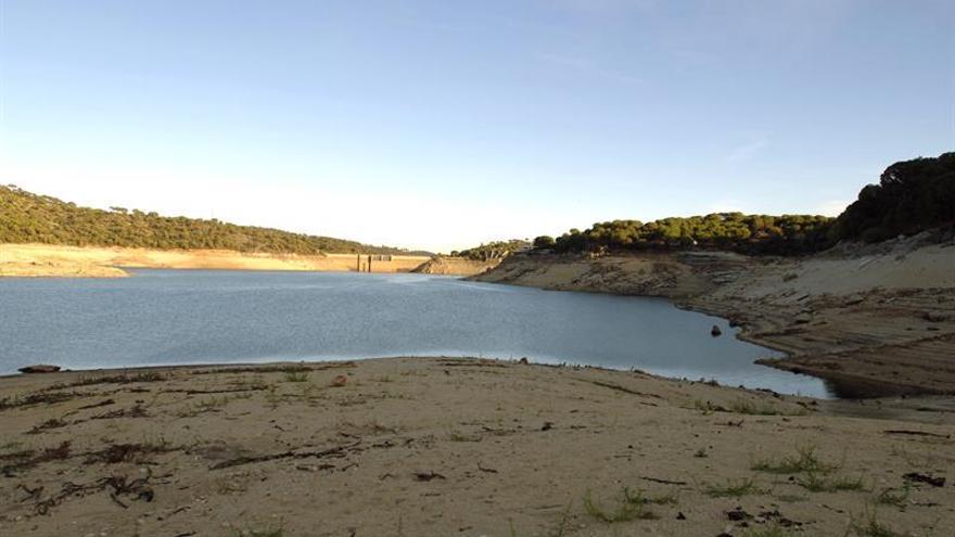 Una mujer de 23 años fallece ahogada en el Pantano de San Juan
