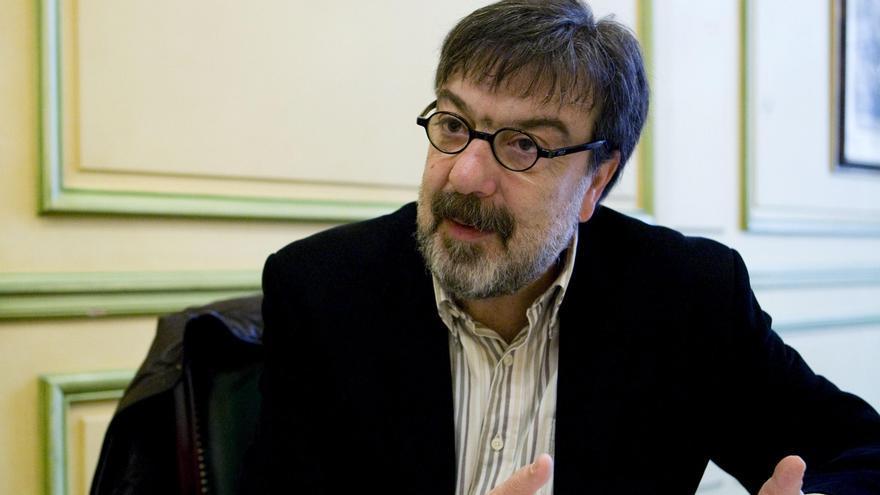 Miguel Ángel Villena gana el Premio Comillas con una biografía de Berlanga