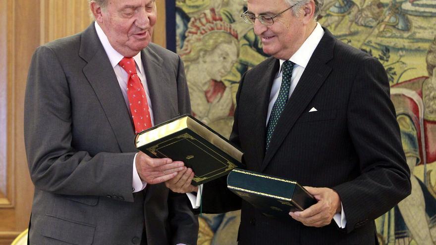 El fiscal general, Eduardo Torres-Dulce, con el rey Juan Carlos. Foto: Efe