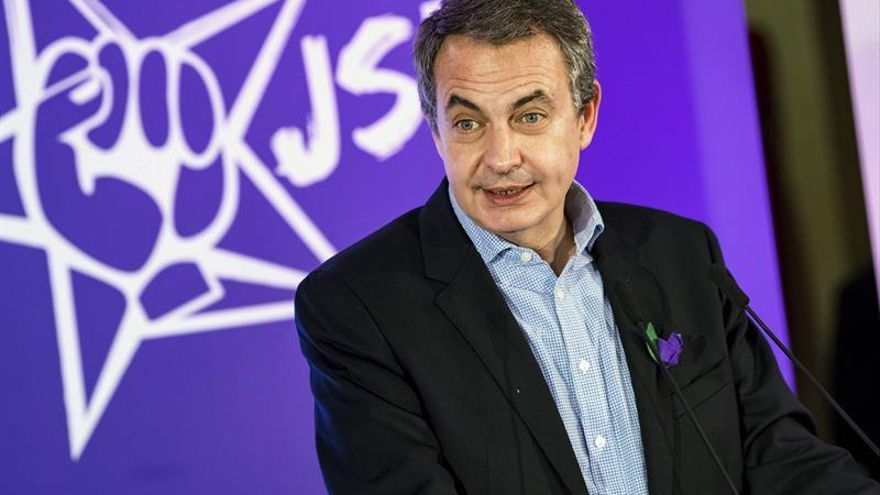Zapatero pide recuperar Educación para la Ciudadanía para acabar con el maltrato