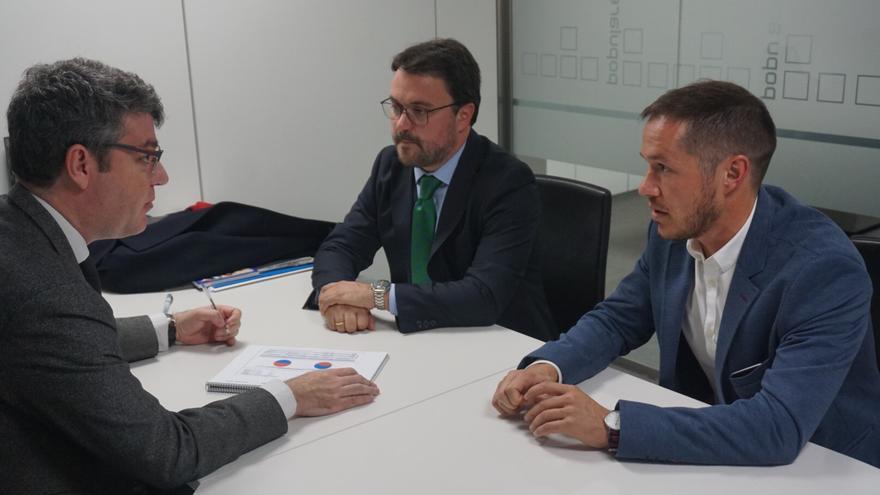 De izquierda a derecha: Álvaro Nadal , Asier Antona y Mariano Hernández Zapata.