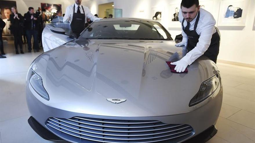 Subastan el Aston Martin de la última cinta de James Bond por 3,15 millones de euros
