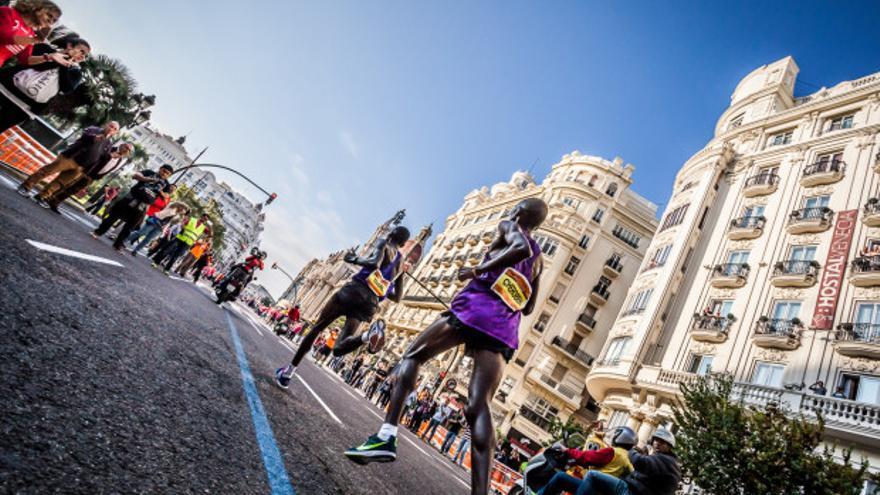 Varias atletas en una prueba disputada en Valencia