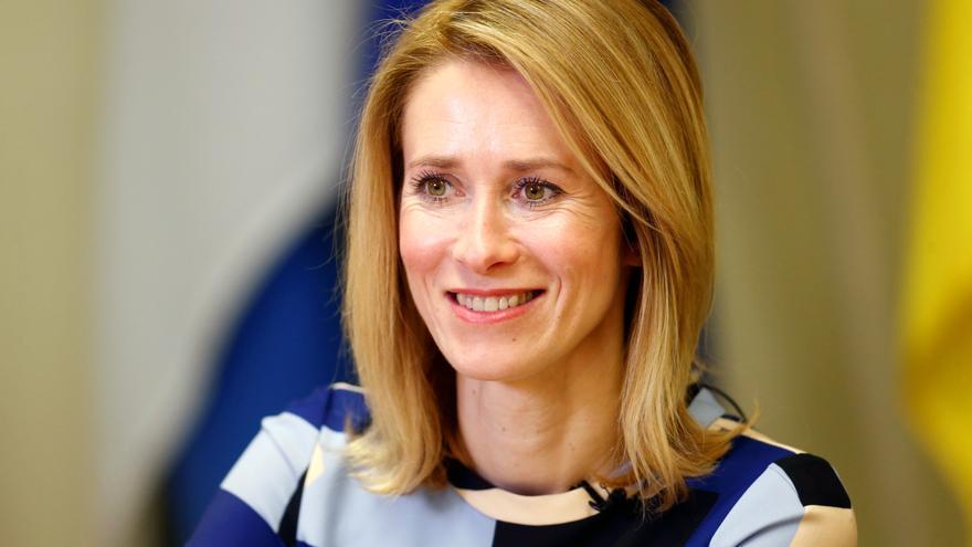 Sánchez elogia el liderazgo femenino al felicitar a su homóloga de Estonia