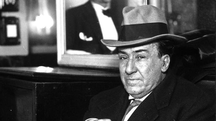 Machado, retratado por Alfonso en el Café de las Salesas, Madrid, 1934.