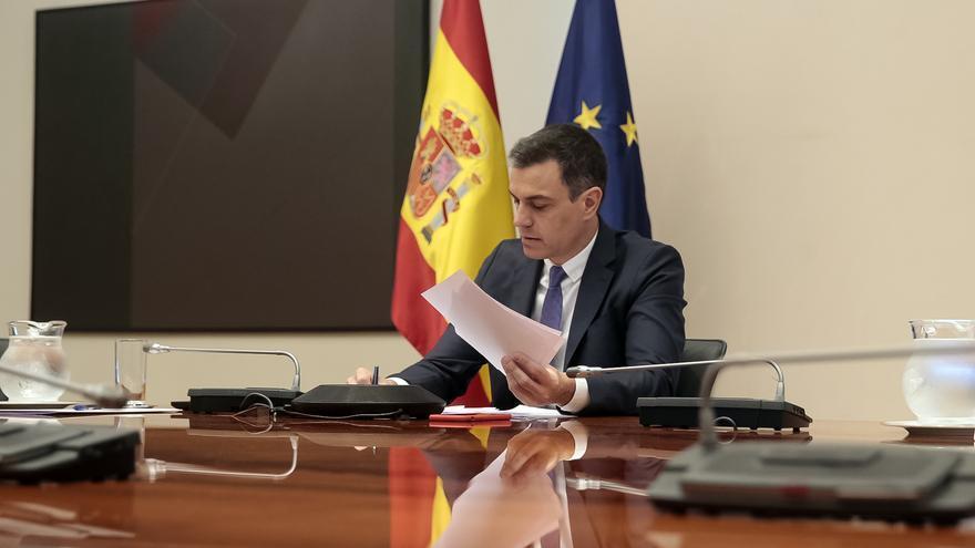 Pedro Sánchez antes de la undécima reunión telemática con los presidentes autonómicos.