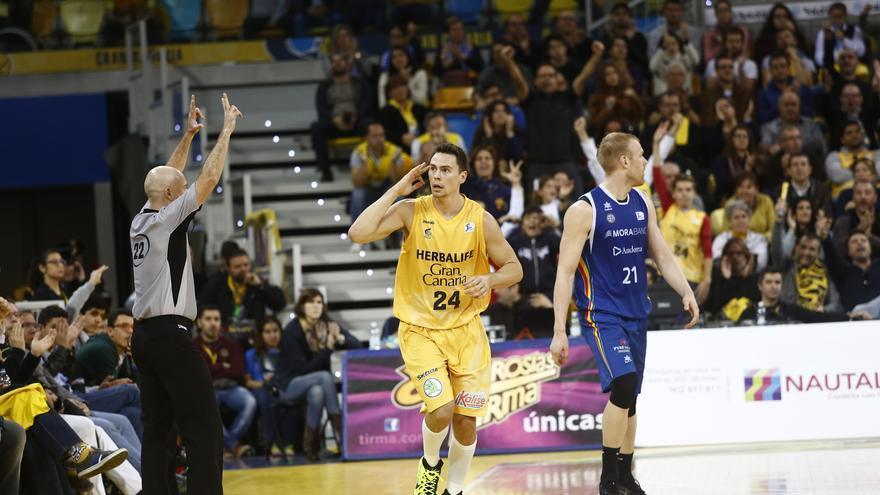 Kuric celebra una canasta en el partido ante el Andorra. FOTO: ACB Photo/M. Henríquez