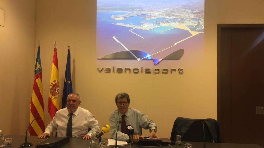 El presidente de la APV, Aurelio Martínez, y el director, Francesc Sánchez, tras el consejo de administración de este viernes