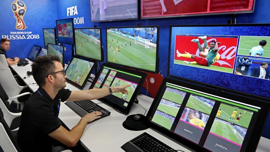 Sistema de videoarbitraje (VAR) para el Mundial de Rusia