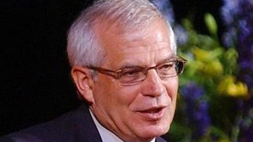 """Borrell cree que se ha """"perdido mucho tiempo"""" para publicar los 'stress tests'"""