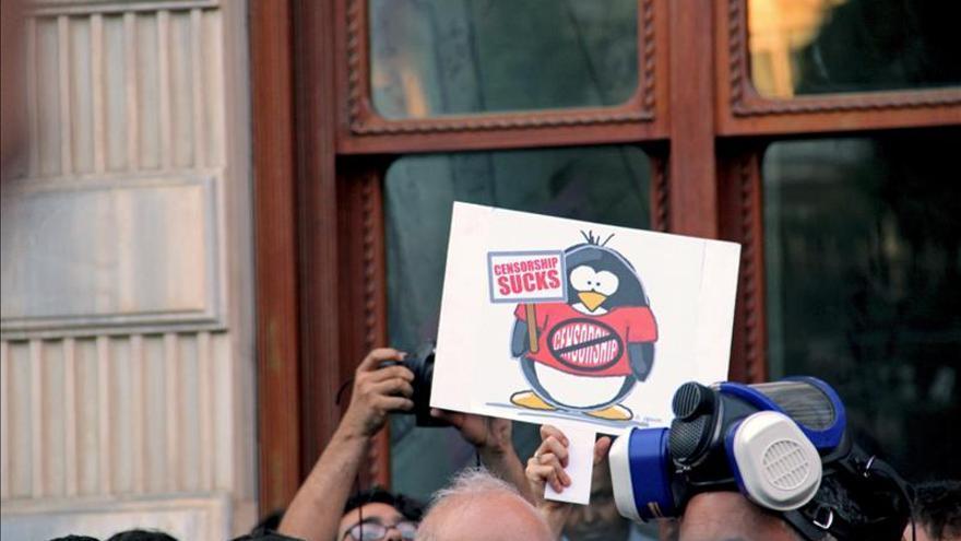 Los periodistas turcos denuncian que sufren represión y que hay 62 en prisión