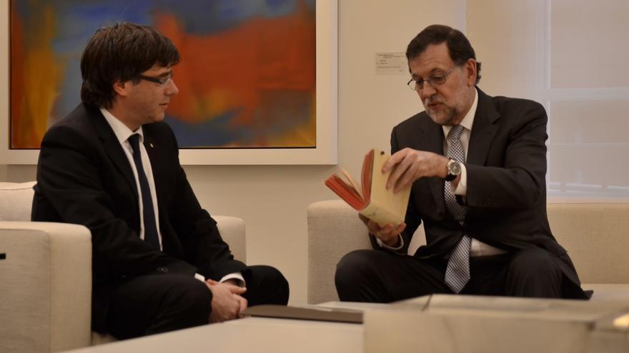 Carles Puigdemont y Mariano Rajoy, durante su reunión en La Moncloa.