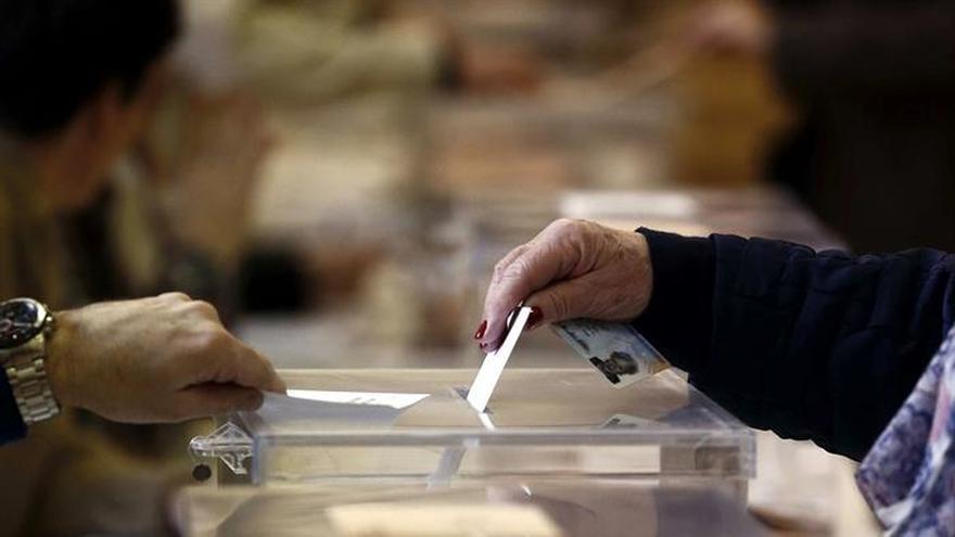El PSOE activa una web para explicar cómo votar desde el extranjero