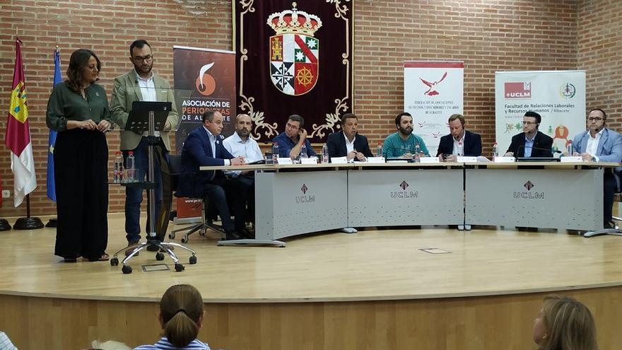 De izquierda a derecha los cabezas de lista de PSOE, Unidas Podemos, UCIN, Partido Popular, Partido Comunista, Ciudadanos, Contigo Somos Democracia y Vox.