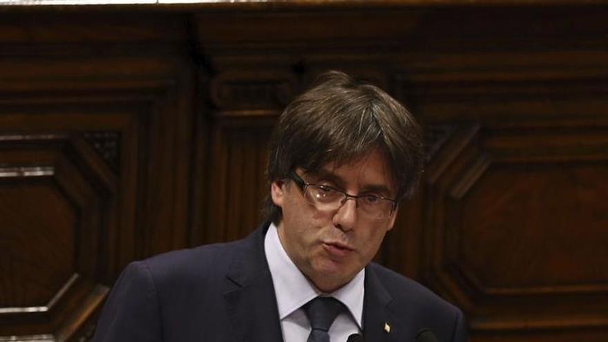 """Puigdemont lamenta que le monten un """"pollo federal"""" a Pedro Sánchez"""