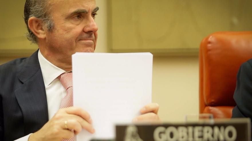 """De Guindos considera que la subida en Bolsa de Liberbank """"justifica que había un movimiento especulativo"""""""