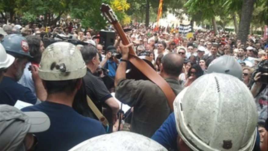 Mineros De La 'Marcha Negra' Y Ciudadanos En La Concentración En Apoyo Al Carbón
