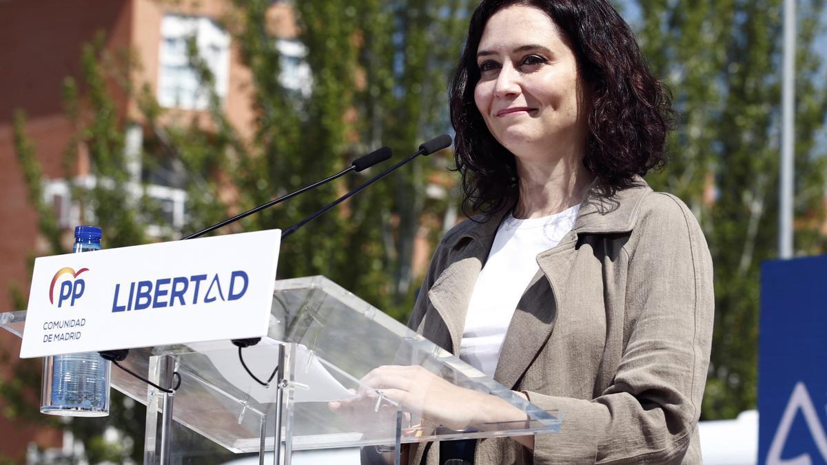 La presidenta de la Comunidad de Madrid y candidata del PP a la reelección, Isabel Díaz Ayuso, durante un acto electoral este domingo en Las Rozas (Madrid). EFE/Javier López