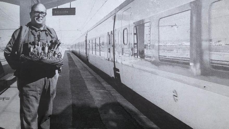 Las Cortes de Castilla-La Mancha piden al Gobierno que las navajas de Albacete puedan viajar en tren y por Correos