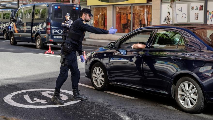 Controles de la Policía Nacional en Las Palmas de Gran Canaria.