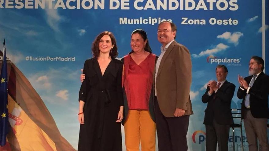 La diputada Belén Rodríguez Palomino junto a Isabel Díaz Ayuso y Pío García Escudero. / PP Villa del Prado