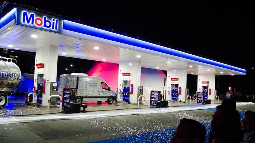 Exxon Mobil reduce su beneficio un 49 % en el primer trimestre