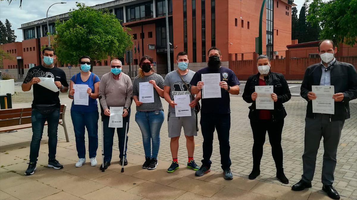 Voluntarios y exvoluntarios de Protección Civil de Córdoba denuncian la expulsión de varios compañeros.