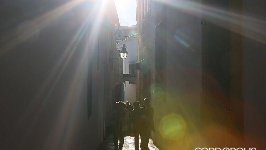 Turistas por el barrio de la judería | MADERO CUBERO