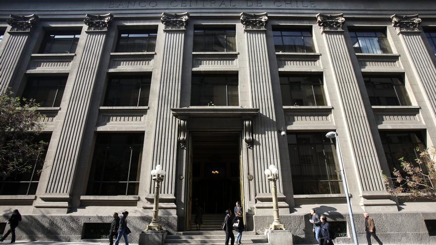 Banco Central chileno sube tasa clave al 0,75 % tras año y medio en mínimos