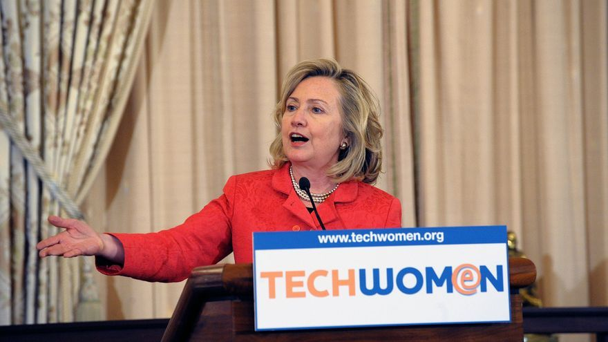 Con Hillary Clinton al frente del departamento de Estado se buscó crear empleo en varios países de Oriente Medio. (Imagen: Departamento de Estado de Estados Unidos | Flickr)