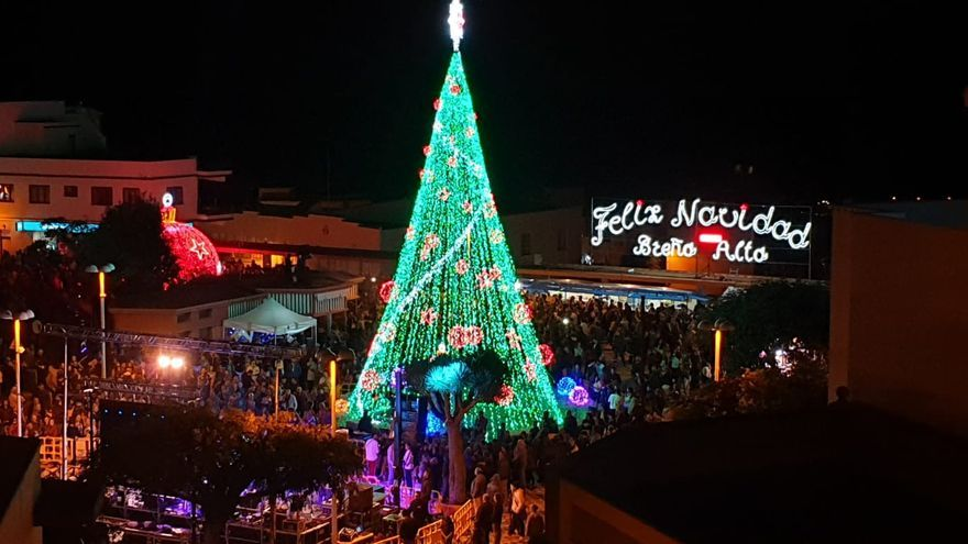 Inauguración del alumbrado navideño de Breña Alta.