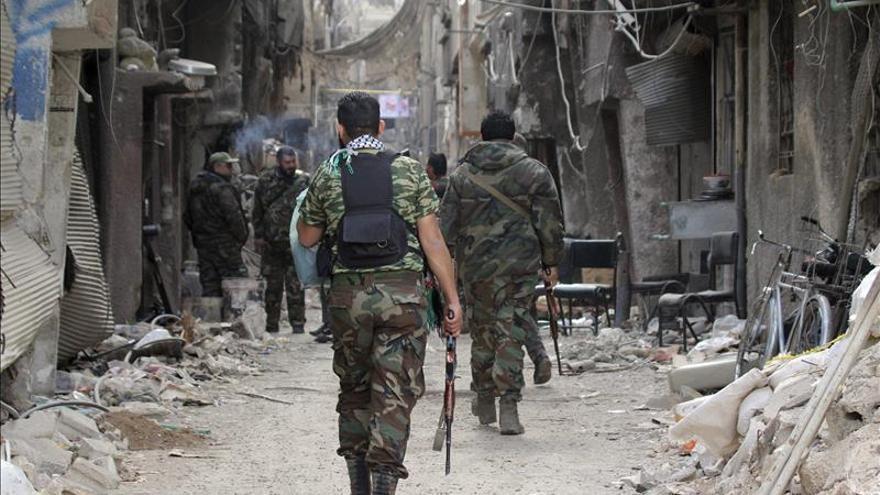 El grupo Estado Islámico mata a 10 personas y derriba un avión en Siria