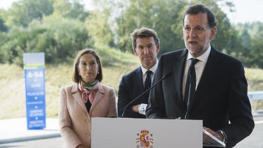 Rajoy, con Feijóo y Pastor, en la etapa de la presidenta del Congreso como ministra