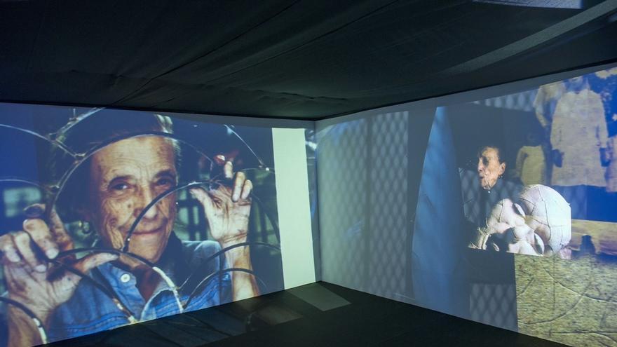 """Una instalación en la Plaza Arriaga acerca a los transeúntes """"el universo"""" de Louise Bourgeois"""