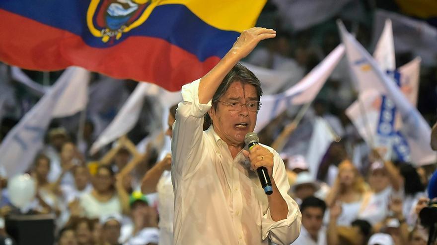 Guillermo Lasso, de 65 años, es el nuevo presidente electo de Ecuador tras derrotar a Andres Arauz, de 35 años.