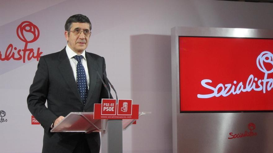 """Patxi López recuerda que """"algunos"""" de los que critican la nueva reforma del artículo 135 """"no son afiliados"""" al PSOE"""