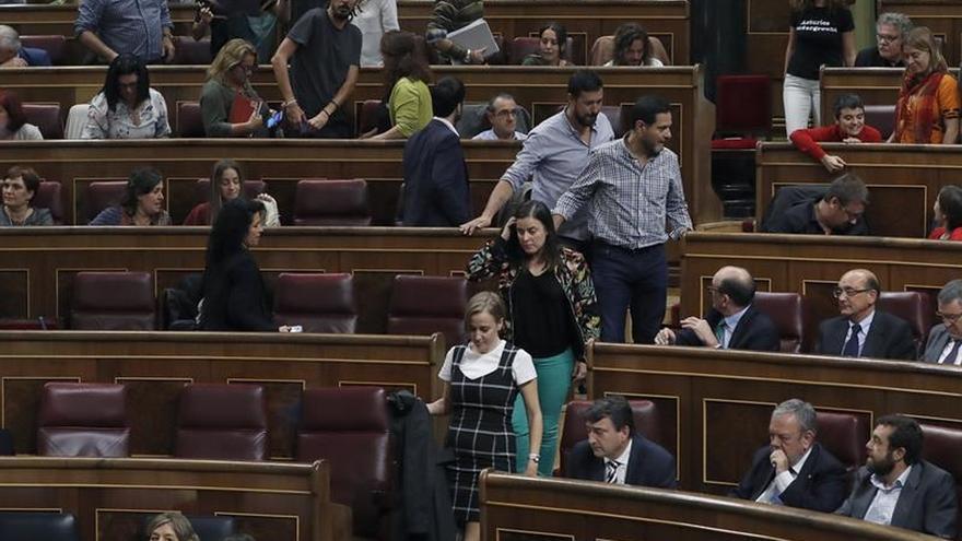 Podemos abandona el pleno tras no poder replicar a Hernando (PP)