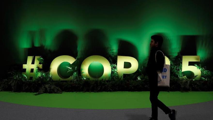 """Interior de uno de los pabellones de la 25 Conferencia de las Partes del Convenio Marco de Naciones Unidas sobre Cambio Climático (COP) que arranca este lunes en Madrid bajo el lema """"Tiempo de actuar""""."""