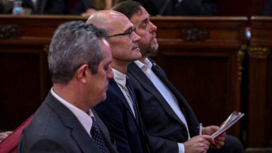 Junqueras y Romeva piden que el día 21 se les permita atender a la prensa