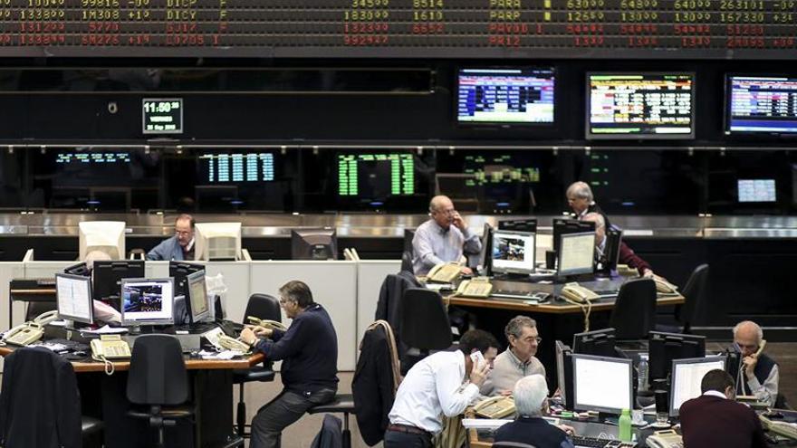 La bolsa de Buenos Aires abre con un fuerte descenso del 4,39 %
