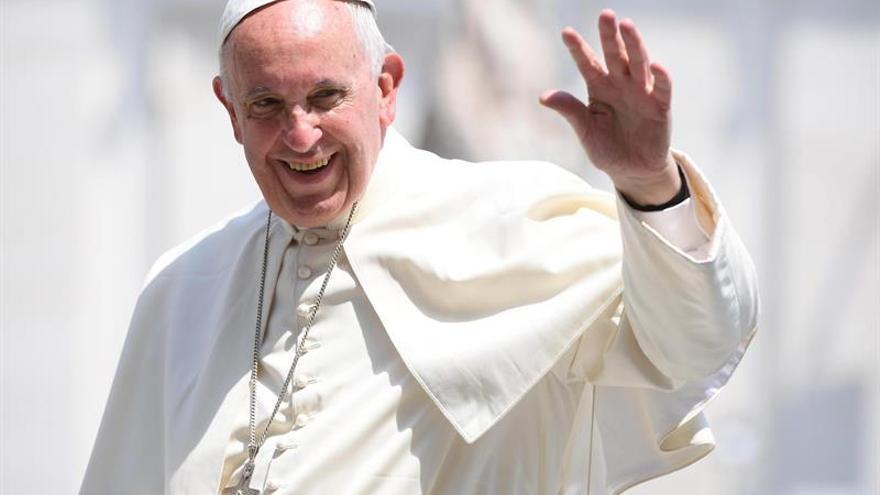 """El Papa dice que buscará """"alentar la paz"""" en su viaje a Georgia y a Azerbaiyán"""
